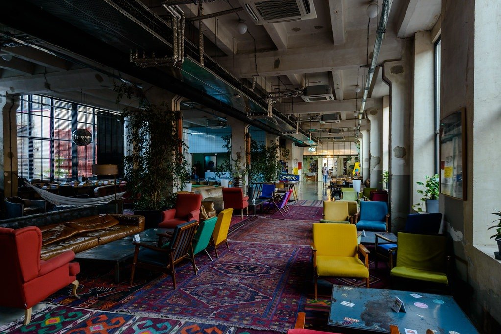 Что можно посмотреть в культурном центре Фабрика в Тбилиси