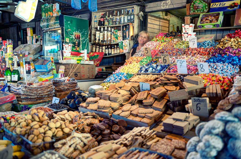 Дидубийский рынок Didube в Тбилиси