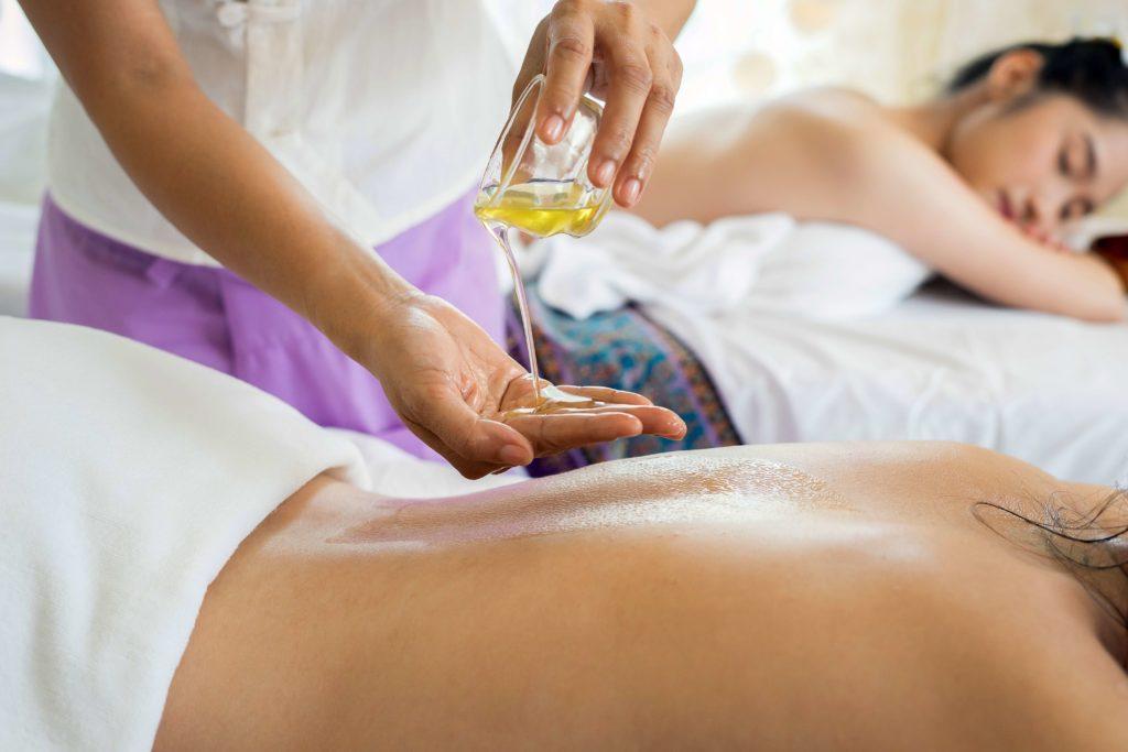 Расслабляющий массаж в Таиланде