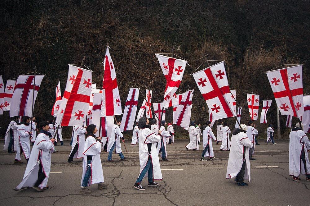 Как отмечают Рождество в Грузии - шествие Алило