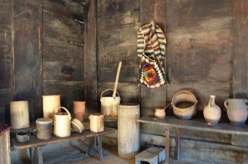 Предметы интерьера в домах этнографического музея Тбилиси