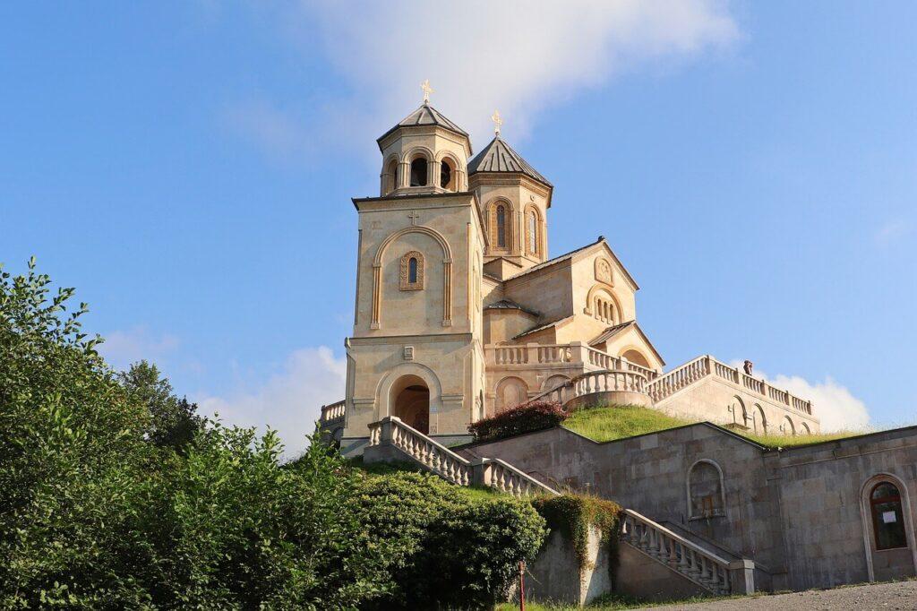 Отношение к религии и храмы в Грузии