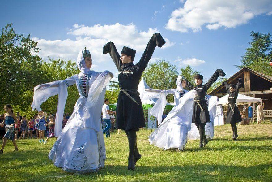 Какой посетить фестиваль в Грузии - Фестиваль Art Gene