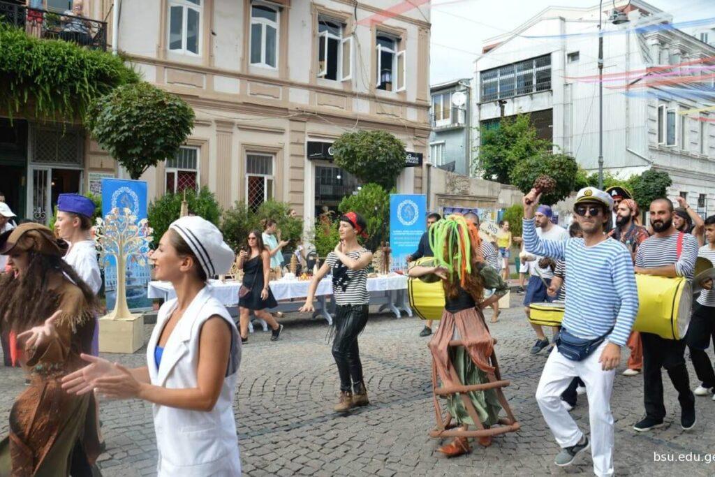Грузия - праздник Батумоба - день города Батуми