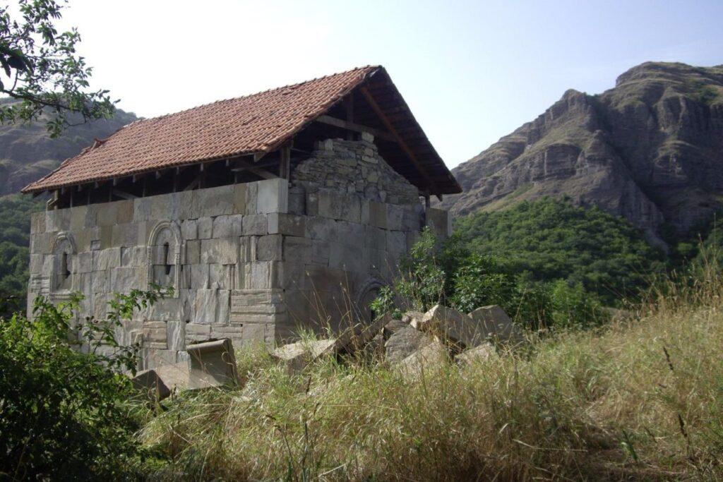 Коджори - Руины монастыря XIII века Кабени