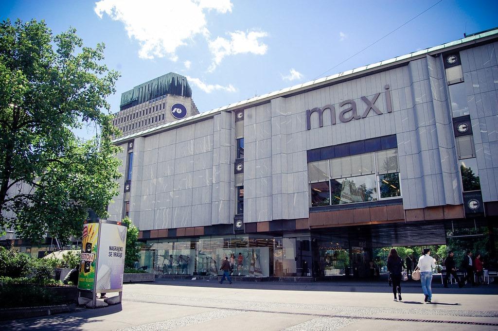 MaxiMarket — торговый центр в Любляне