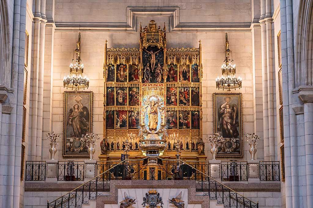 История собора Альмудена, Мадрид