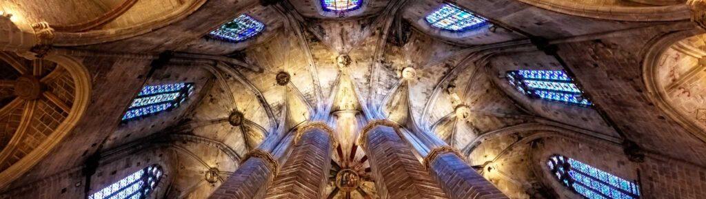 Церковь Санта Мария дель Мар в Барселоне, Испания