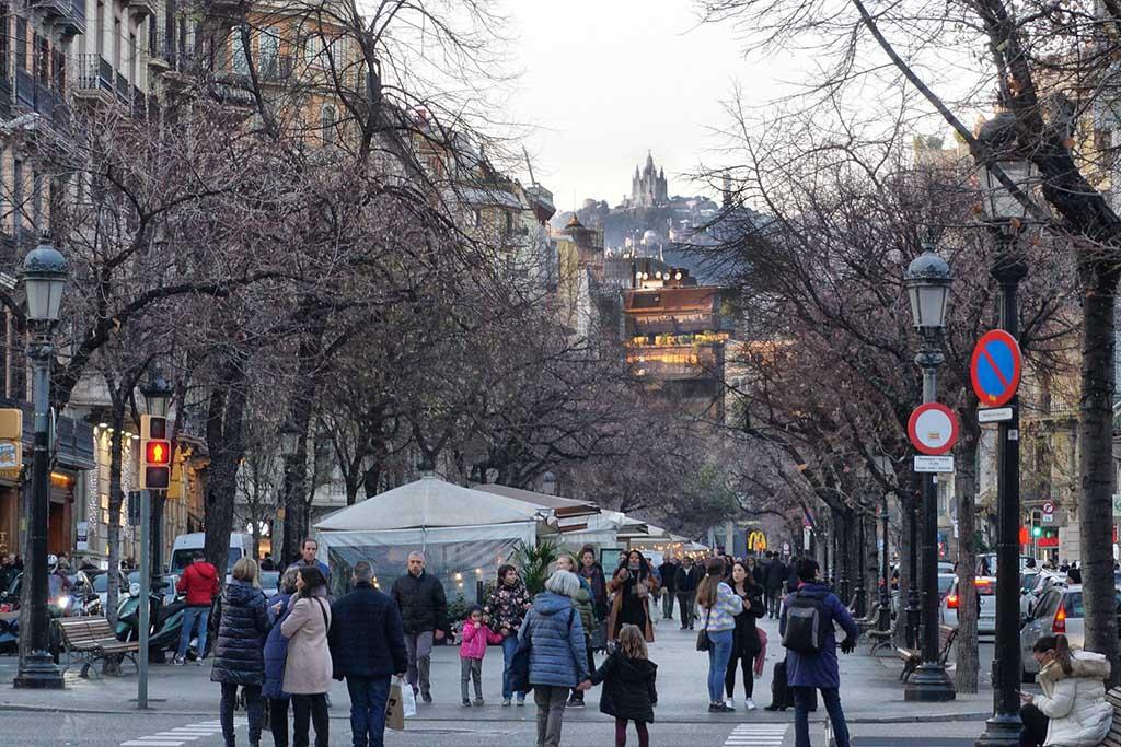 Погода в декабре в Барселоне