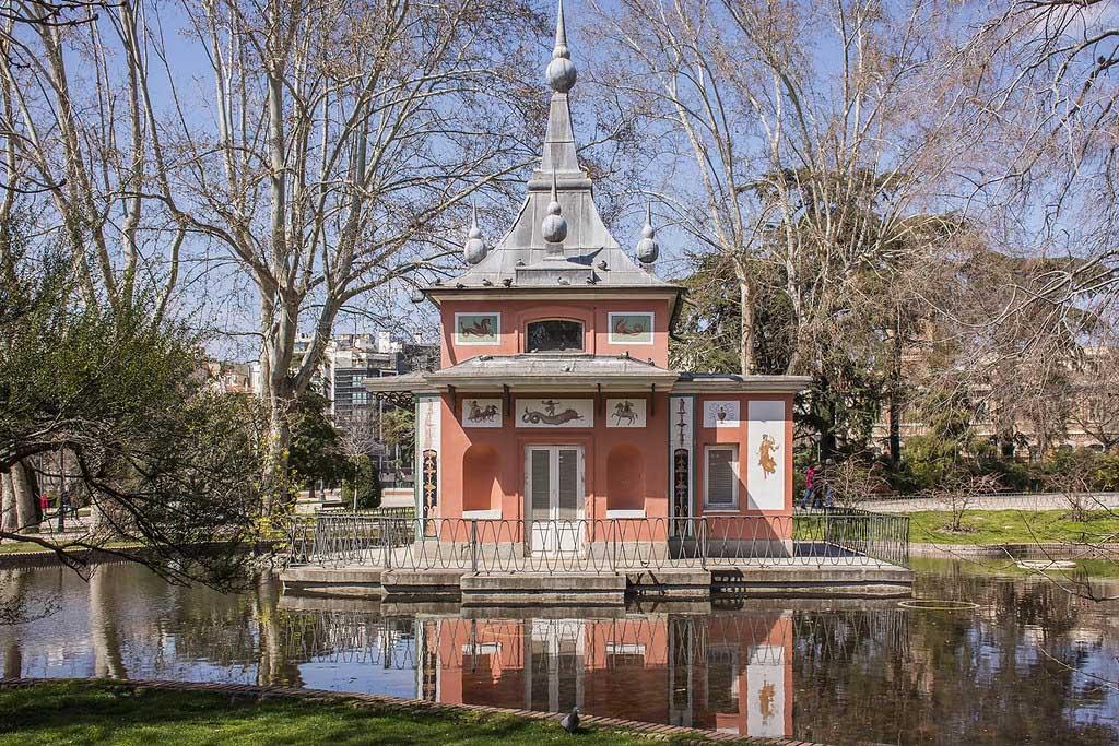 Что посмотреть в парке Эль Ретиро — Дом рыбака, Мадрид