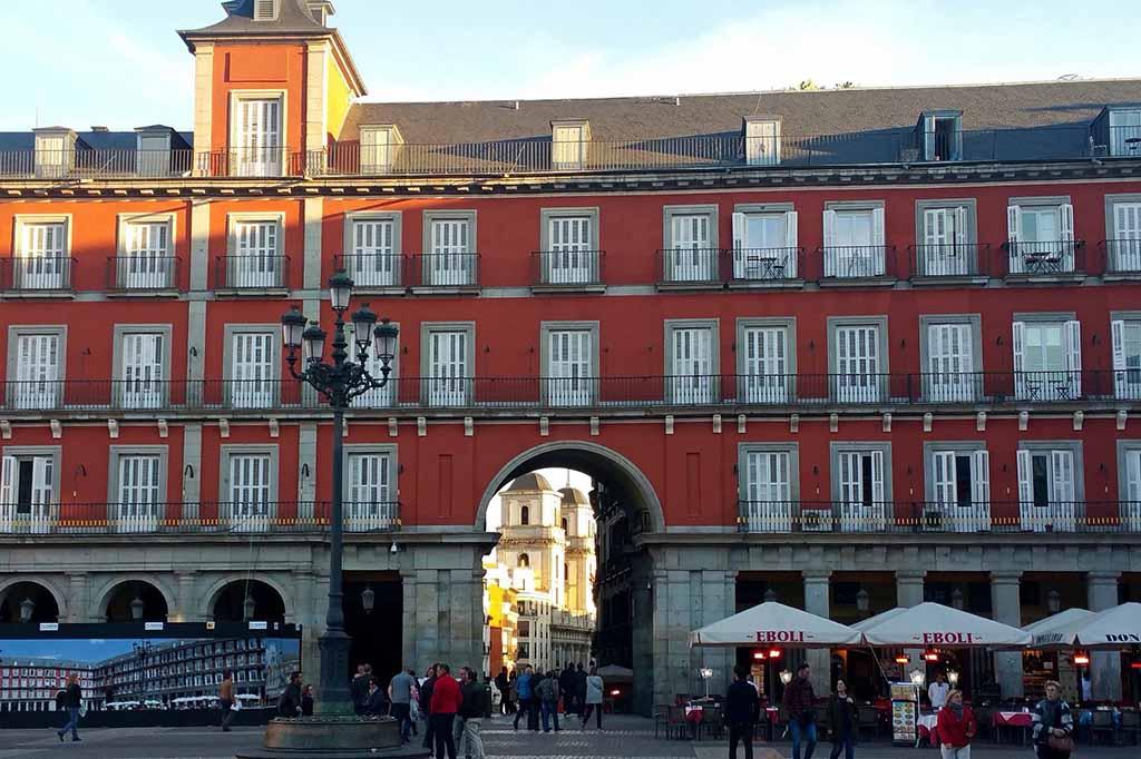 Архитектура площади Пласа Майор в Мадриде