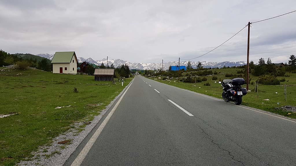 Дороги в Черногории, ПДД