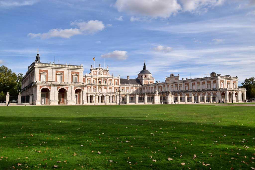 Достопримечательности недалеко от Мадрида  Аранхуэс