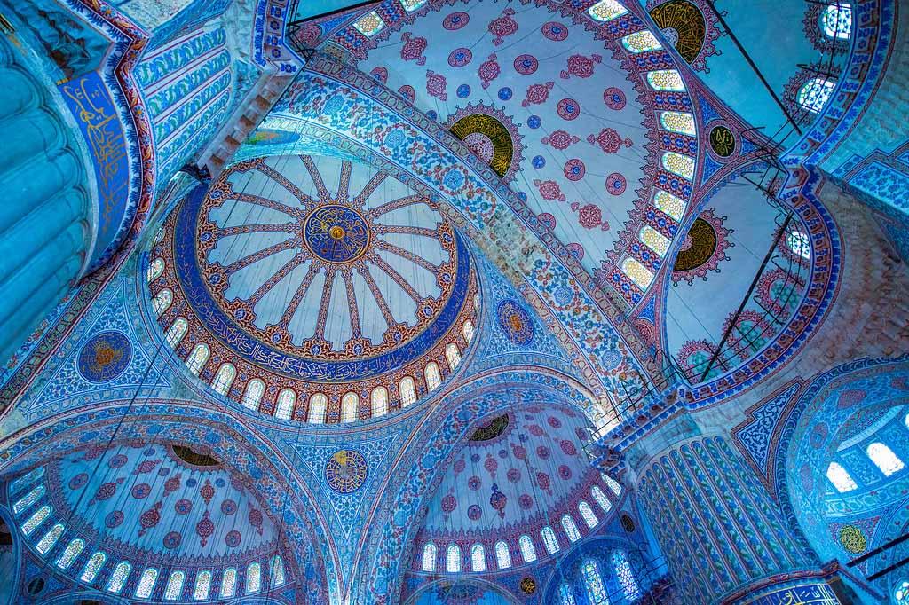 Мечеть Blue Mosque — достопримечательность Стамбула