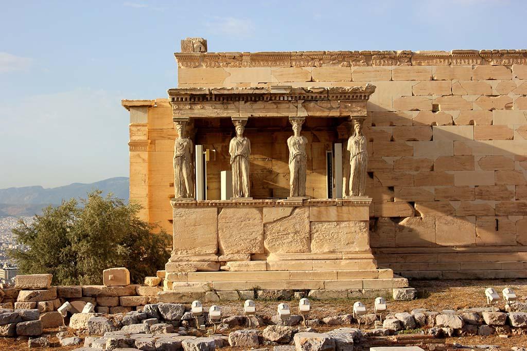 Где находится храм Эрехтейон
