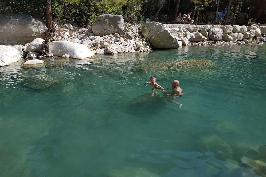 Когда ехать отдыхать с детьми в Турцию