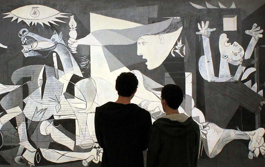 Жемчужина музея Софии — картина Пикассо «Герника»