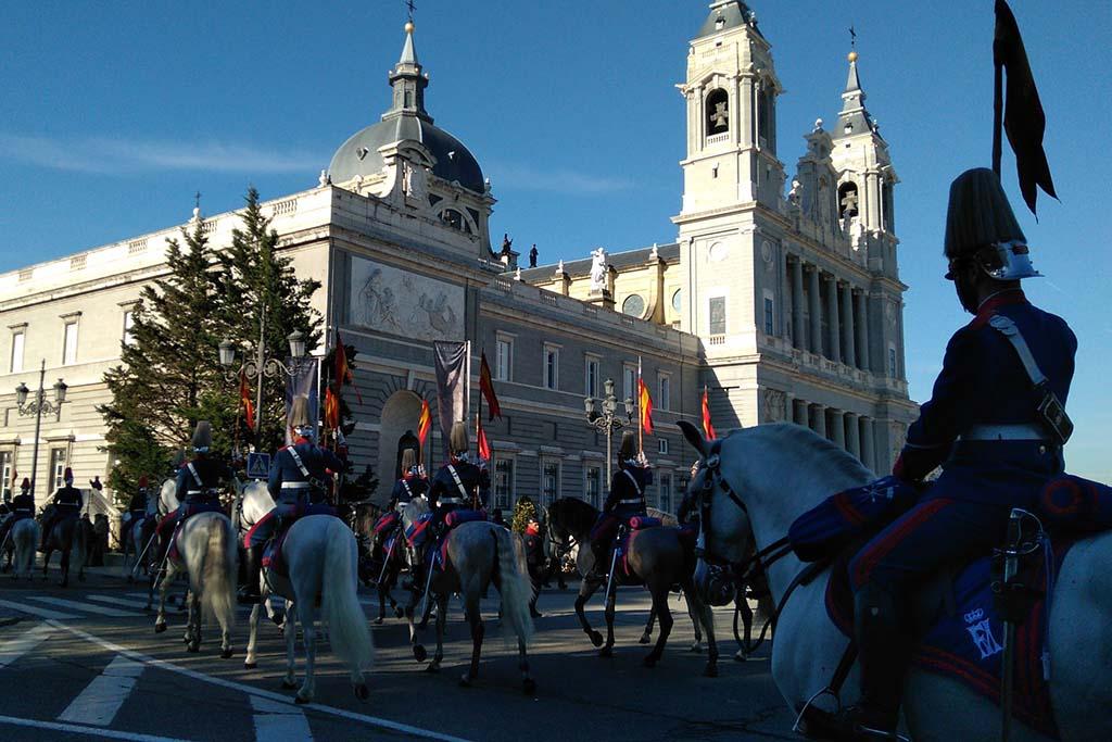 Смена караула в Королевском дворце, Мадрид