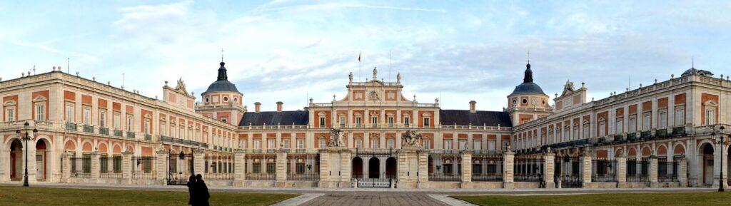 Королевский дворец Аранхуэс недалеко от Мадрида, Испания