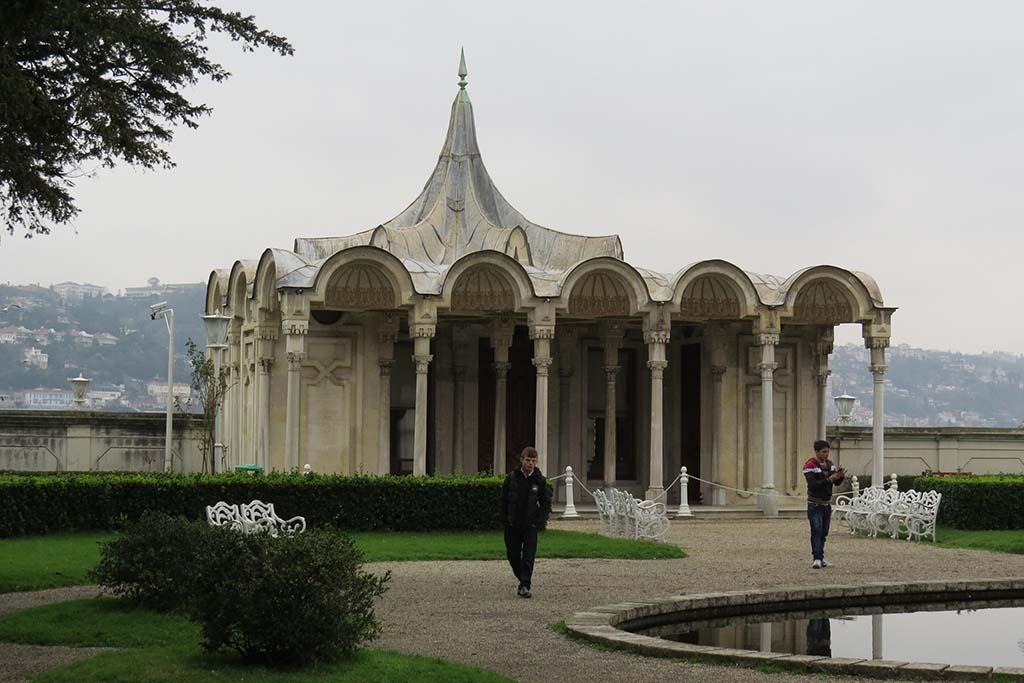 Дворец Бейлербеи, что посмотреть