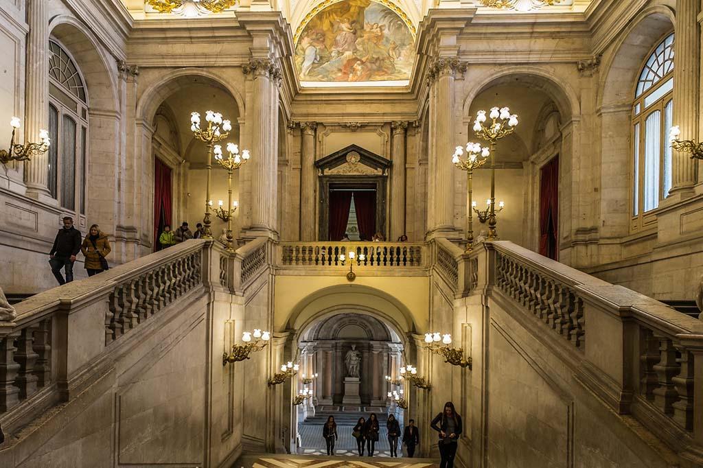 Что посмотреть в Королевском дворце в Мадриде