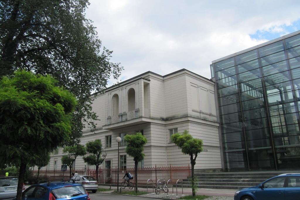 Как добраться до Национальной галереи Словении в Любляне