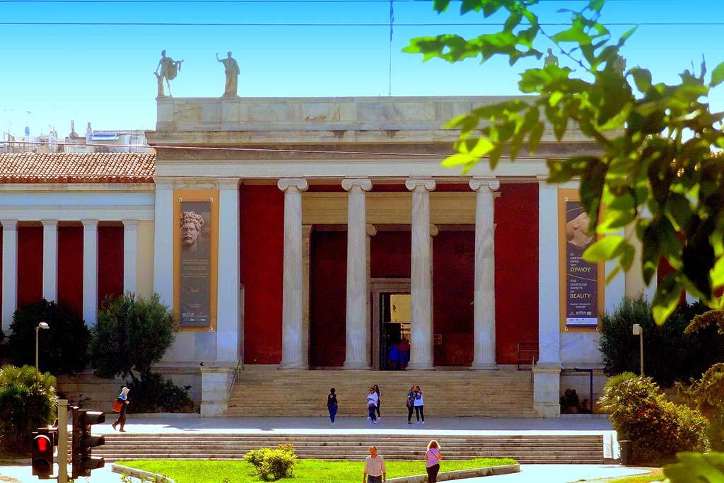 Национальный археологический музей — достопримечательность Афин
