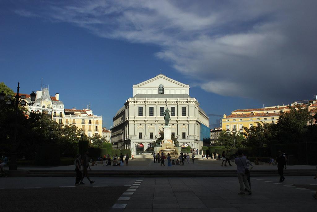 Достопримечательность Мадрида — Оперный театр