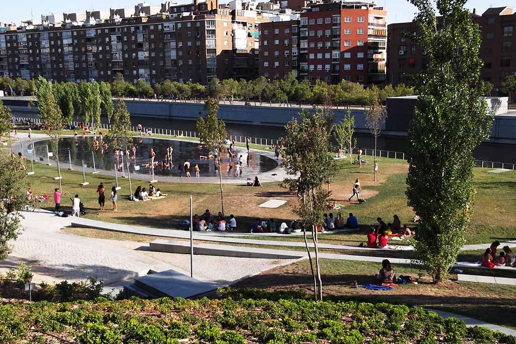 Отдых в Мадриде в парке Мадрид Рио