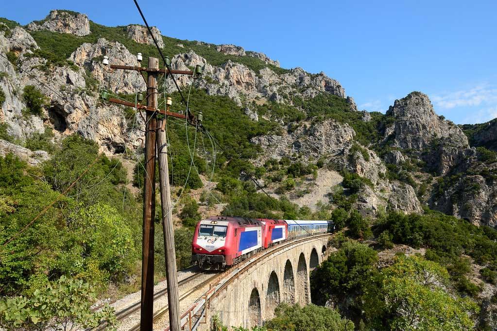 Поезда Греции
