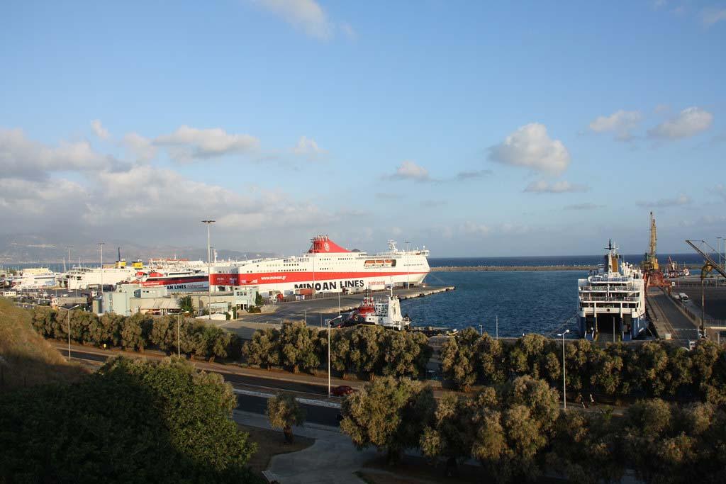 Порт Ираклиона, транспорт Крита