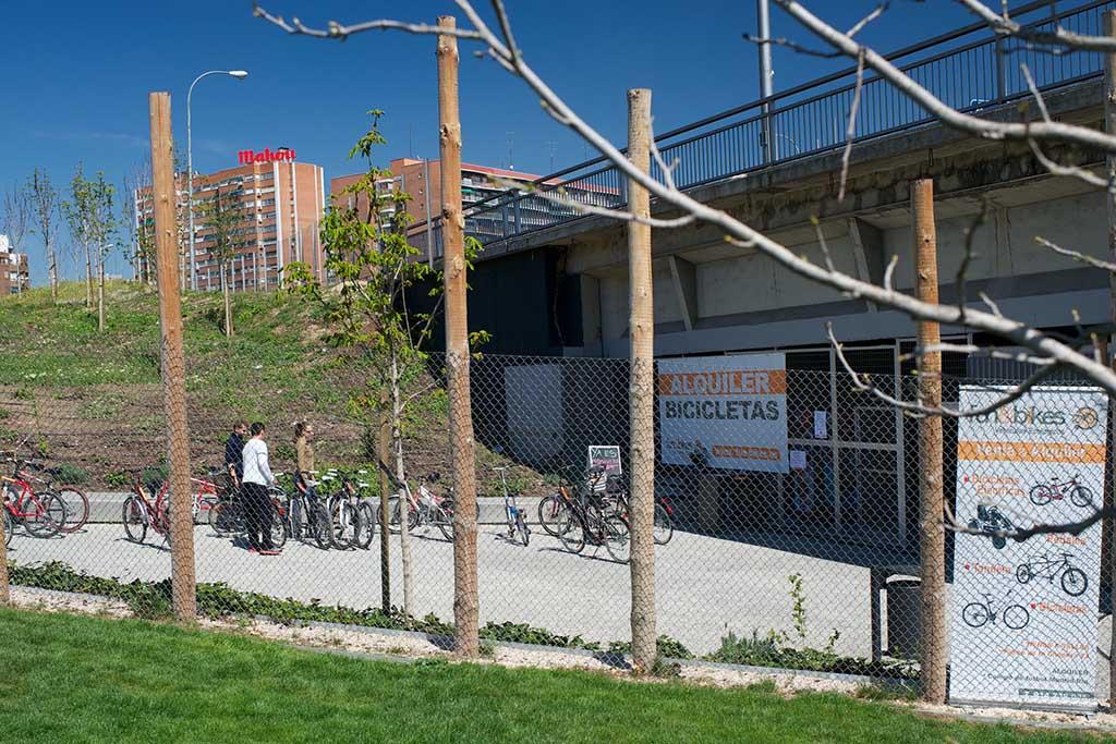 Велосипеды напрокат в парке Мадрид Рио