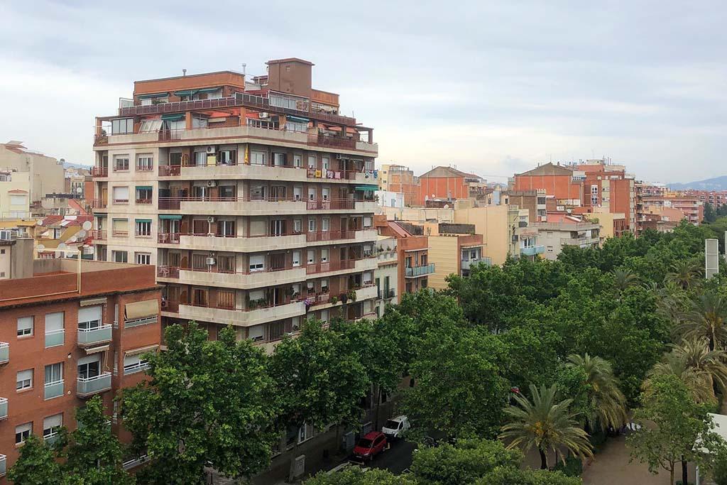 Самый тихий район в Барселоне — Эль Клот