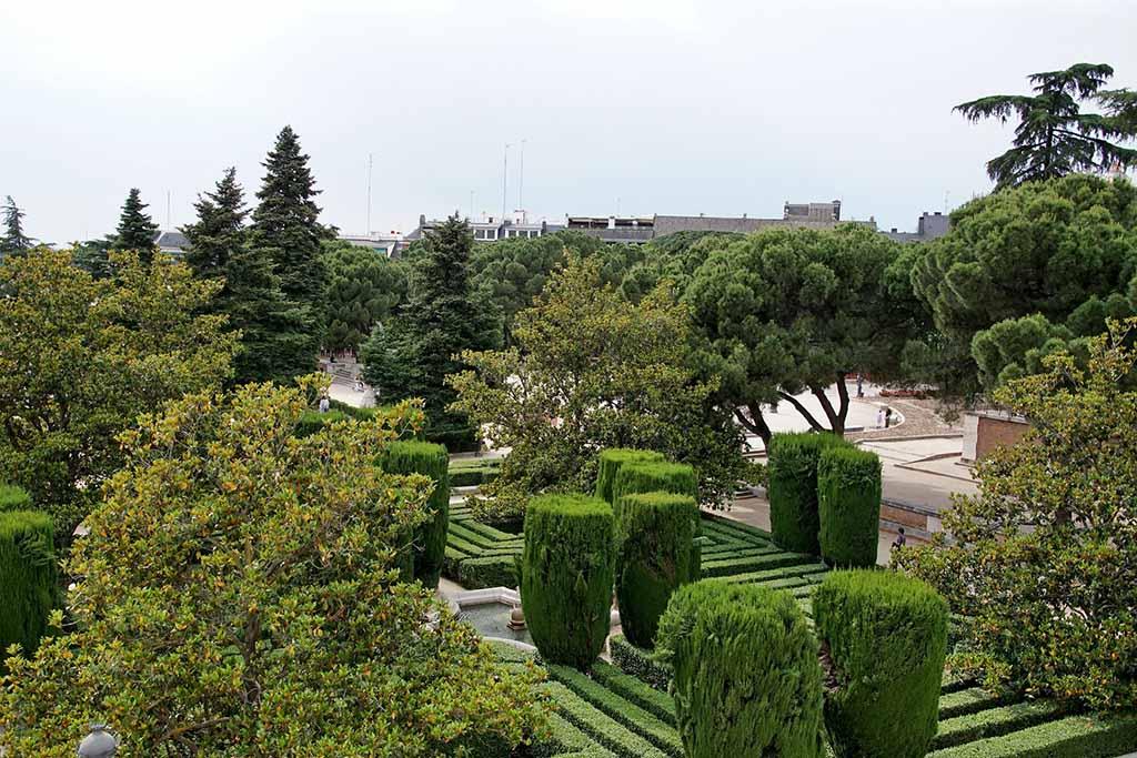 Достопримечательность Мадрида — сады Сабатини