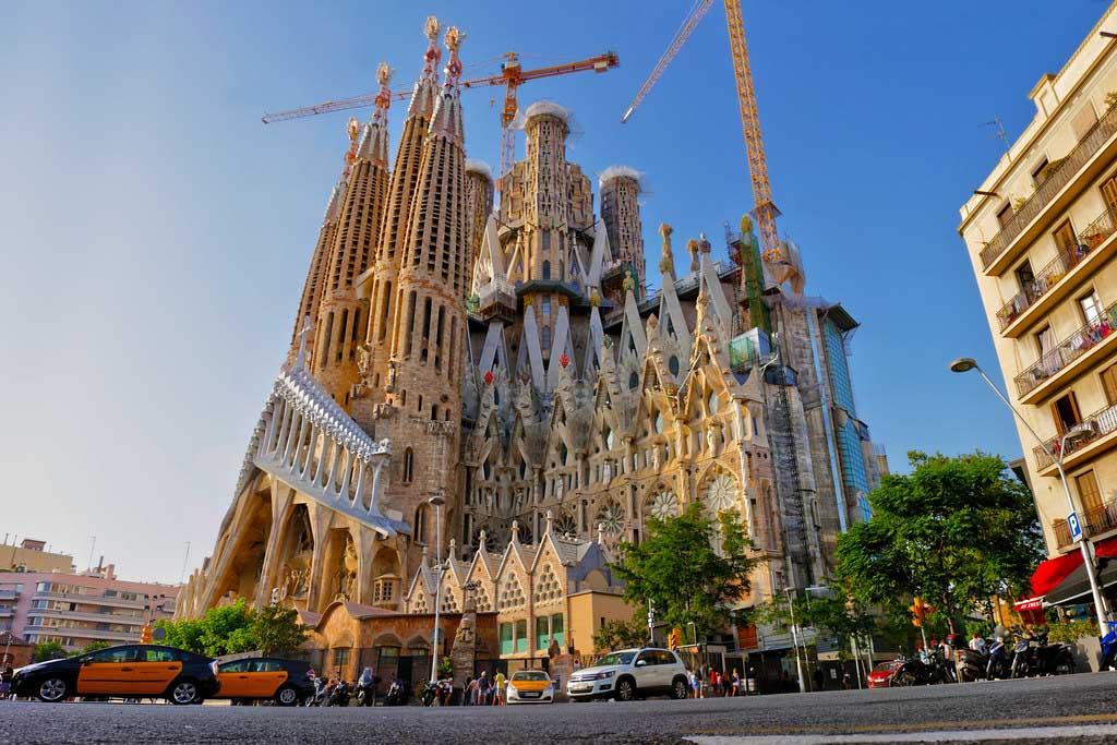 Достопримечательность Барселоны — Саграда Фамилия