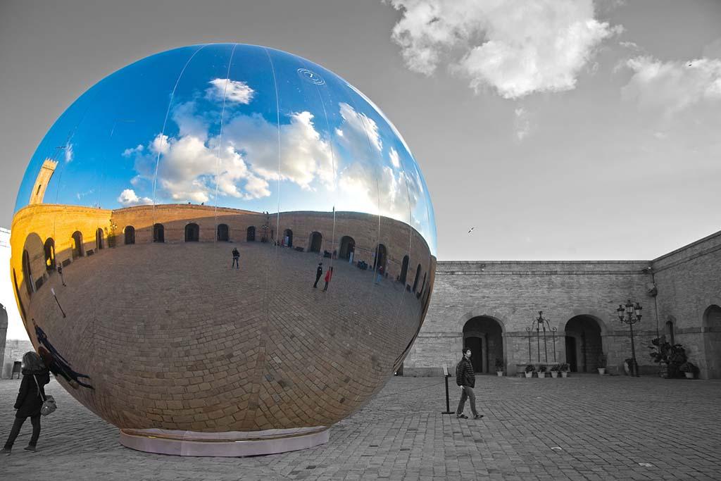 Зеркальный шар — Монтжуик, Барселона