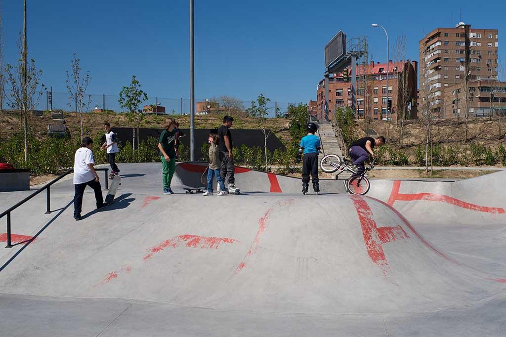 Скейт-парк в Мадрид Рио