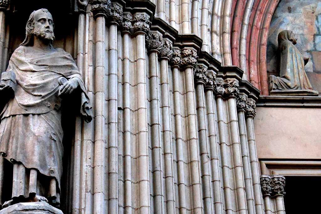 Скульптуры в Santa Maria del Mar