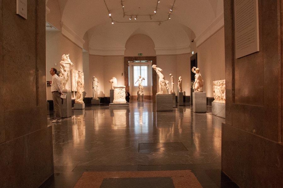 Экспонаты в музее Прадо, Мадрид