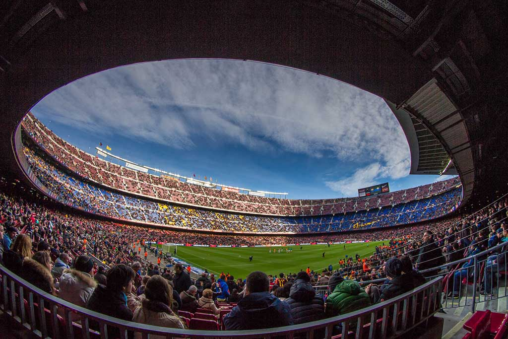 Достопримечательность Барселоны — стадион Камп Ноу