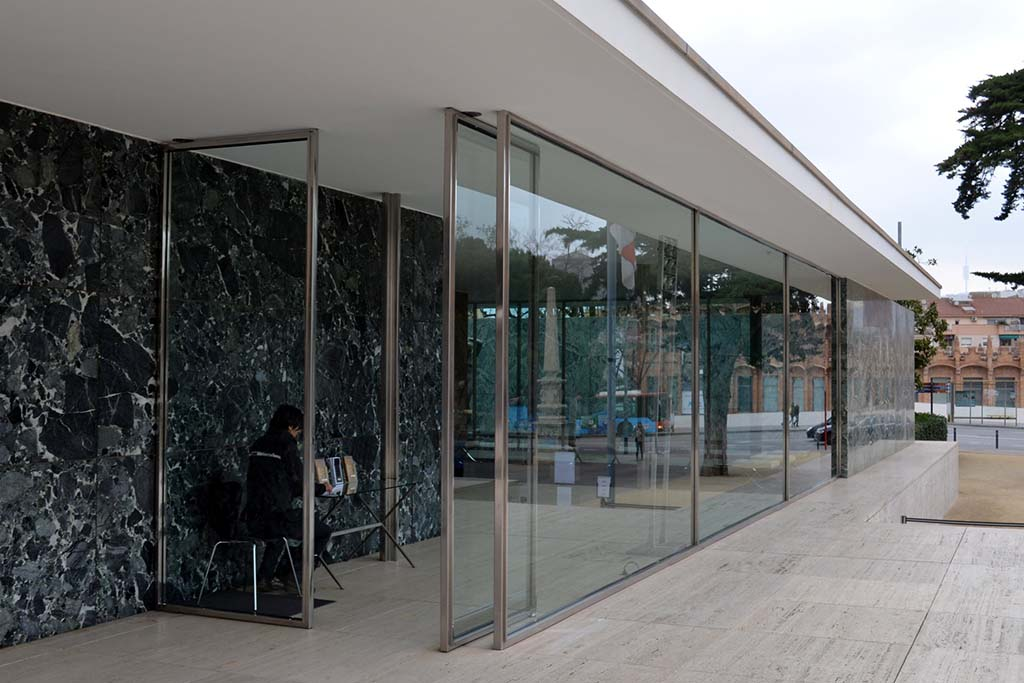 Павильон в Барселоне