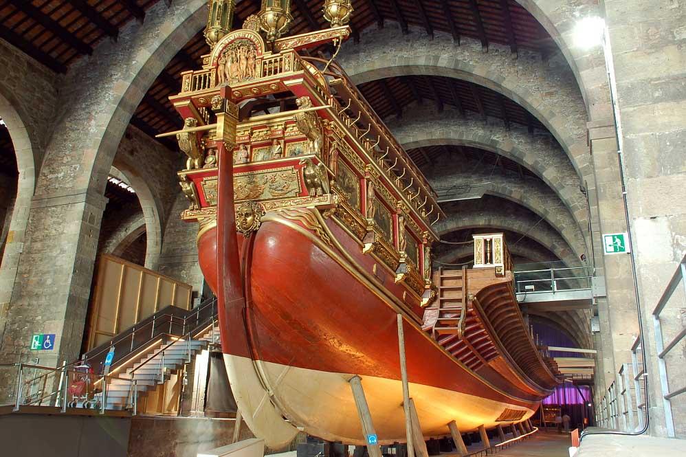 Достопримечательность Барселоны — галера Real в морском музее