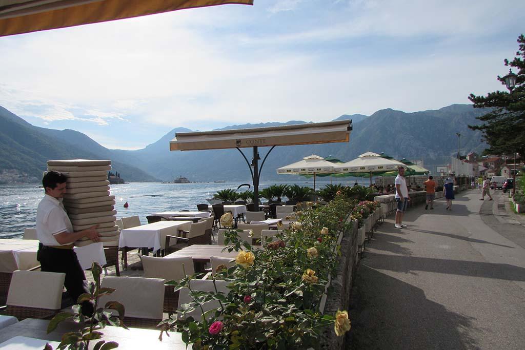Туризм в Черногории, отношение местных к туристам