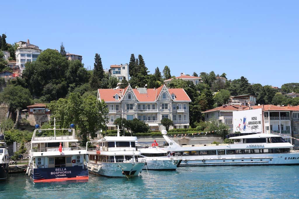 На чем перемещаться кроме прокатного авто в Стамбуле