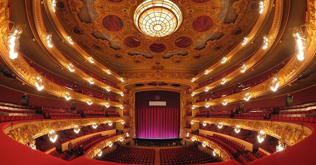 Зал оперного театра Лисеу в Барселон