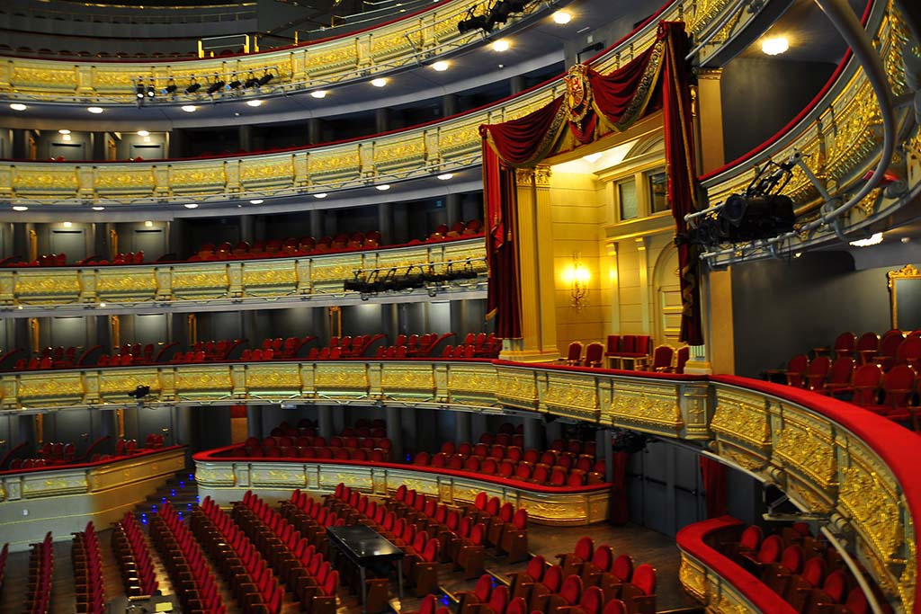 Когда лучше посетить оперный театр в Мадриде
