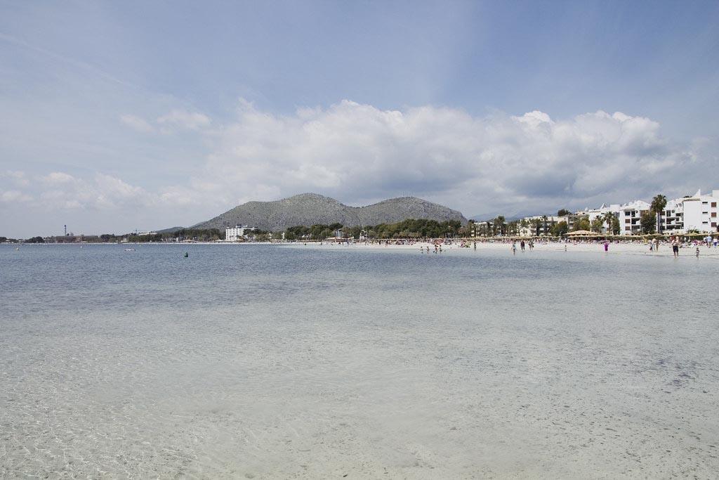 Залив Алькудия для семейного отдыха на острове Майорка