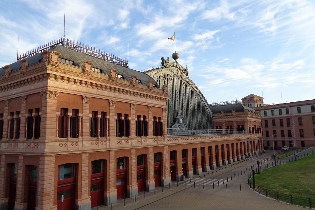 Жд вокзал в Мадриде, Испания